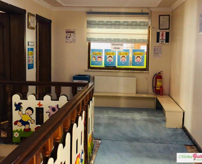 Merkez Gülleri Anaokulu Üst Koridor ve Salon