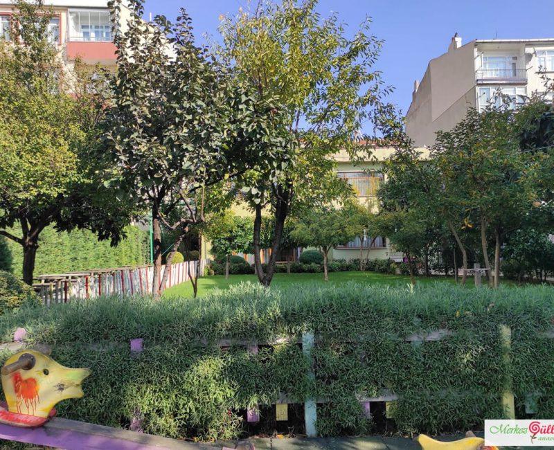 Merkez Gülleri Anaokulu Bahçesi