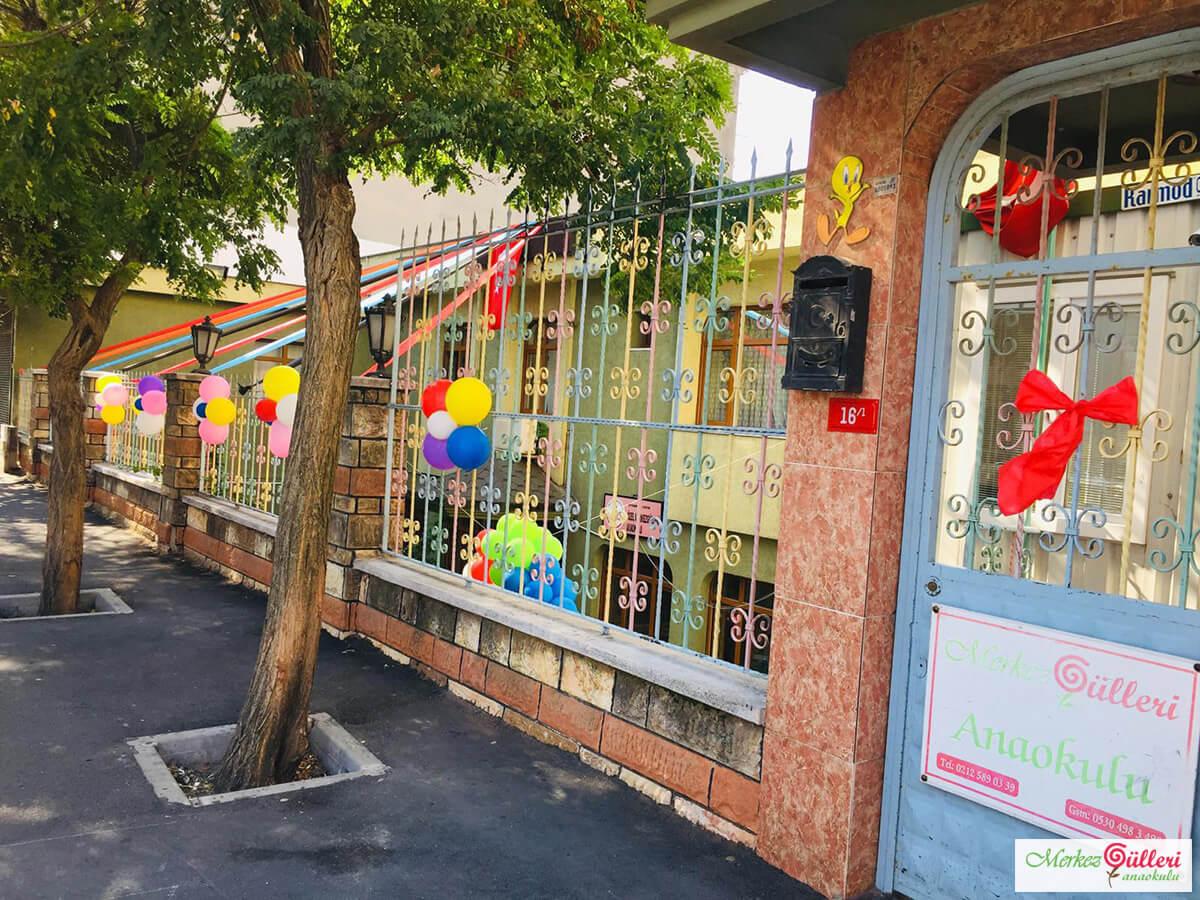 Merkez Gülleri Anaokulu - Giriş Kapısı